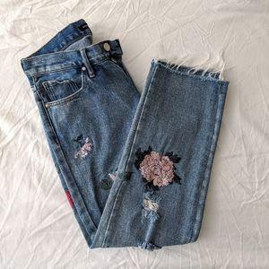 [KENDALL & KYLIE] Embroidered Boyfriend Jeans